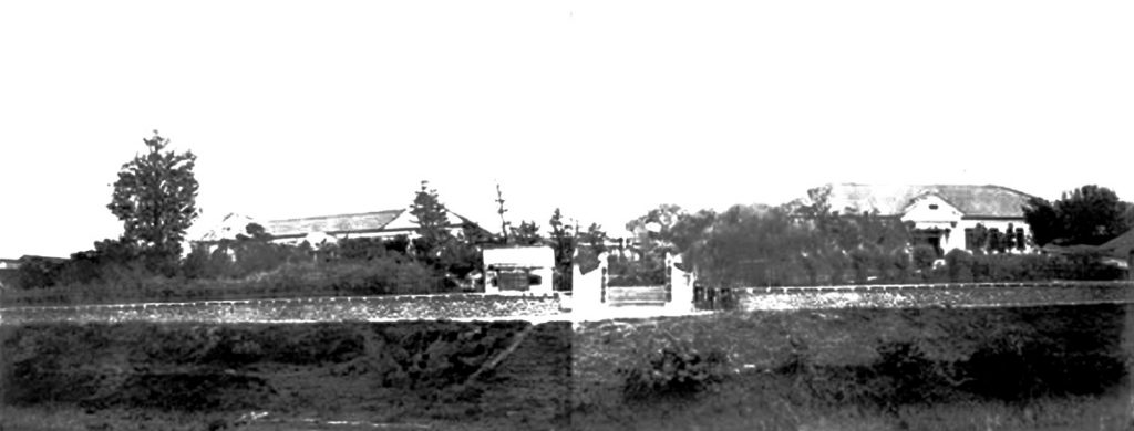 愛知医学校正面(堀川側より1884年撮影)